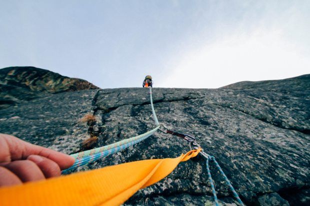 action-adventure-climbing-303040